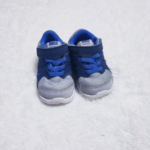 Nike revolution 2 baby boy size 5c